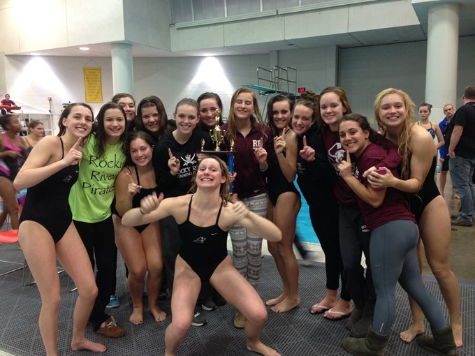 The girls team placed 1st at the Bay Rocket Relays!