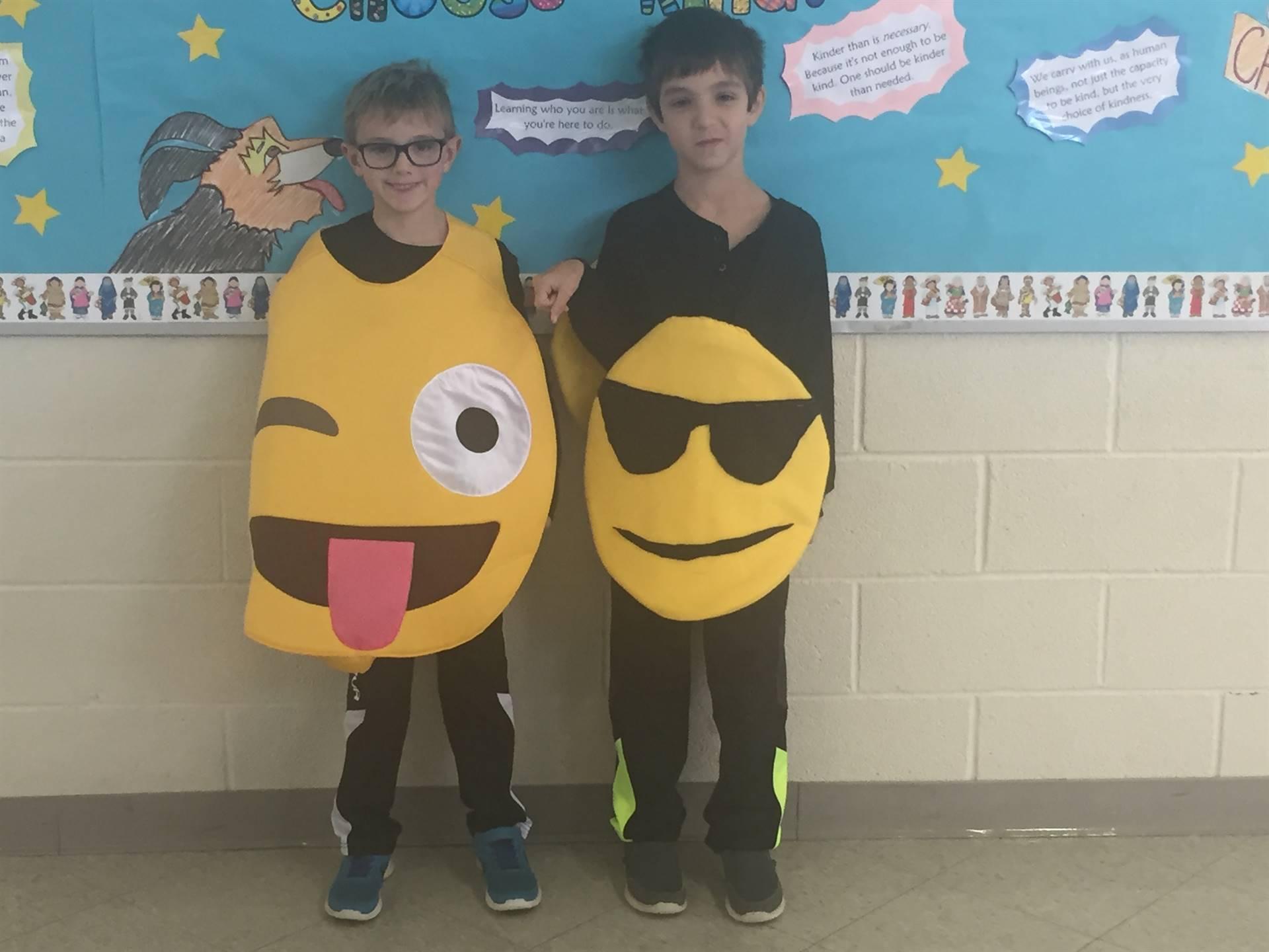Halloween fun emoji costumes